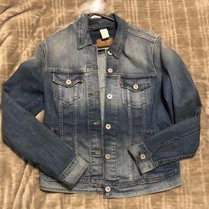 Levi's Jean jacket size M gently used